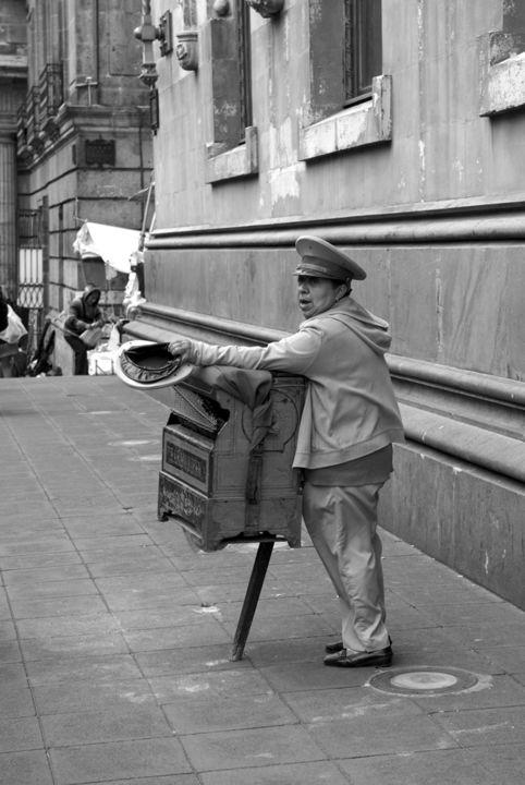 Lucien Duhamel - Homme à l'accordéon Mexique